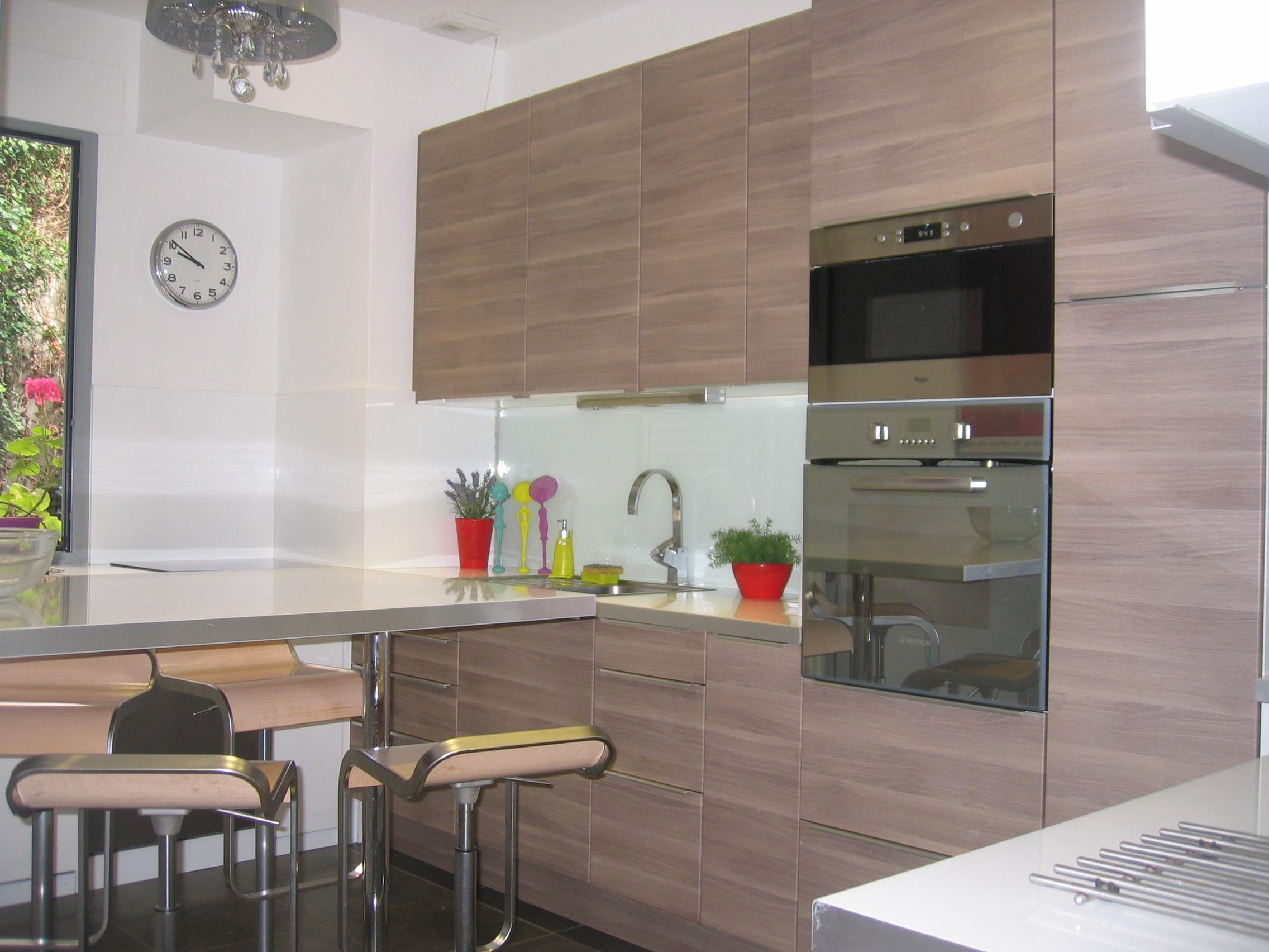 pose d 39 quipements de cuisine. Black Bedroom Furniture Sets. Home Design Ideas
